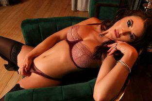 Arabic Pornstar Escort Girls In Newcastle – Riveting Famous Asian Pornstars & Exotic Massage