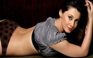 Antalya Erotic Massage, Body Rubs and Massage Parlors with Diva Vietnamese Female Attendants